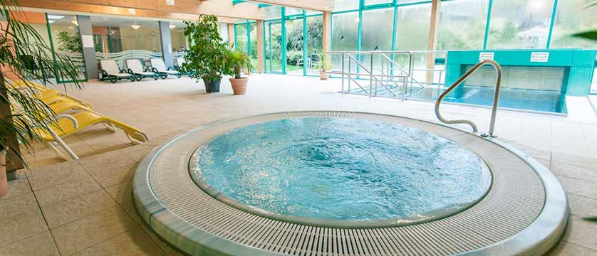 Hotel Kolmhof, Bad Kleinkirchheim, Austria - pool area, jacuzzi.jpg